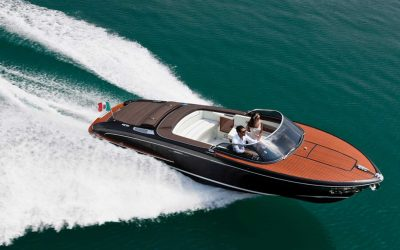 Riva Yacht kaufen. Hier: Riva Iseo